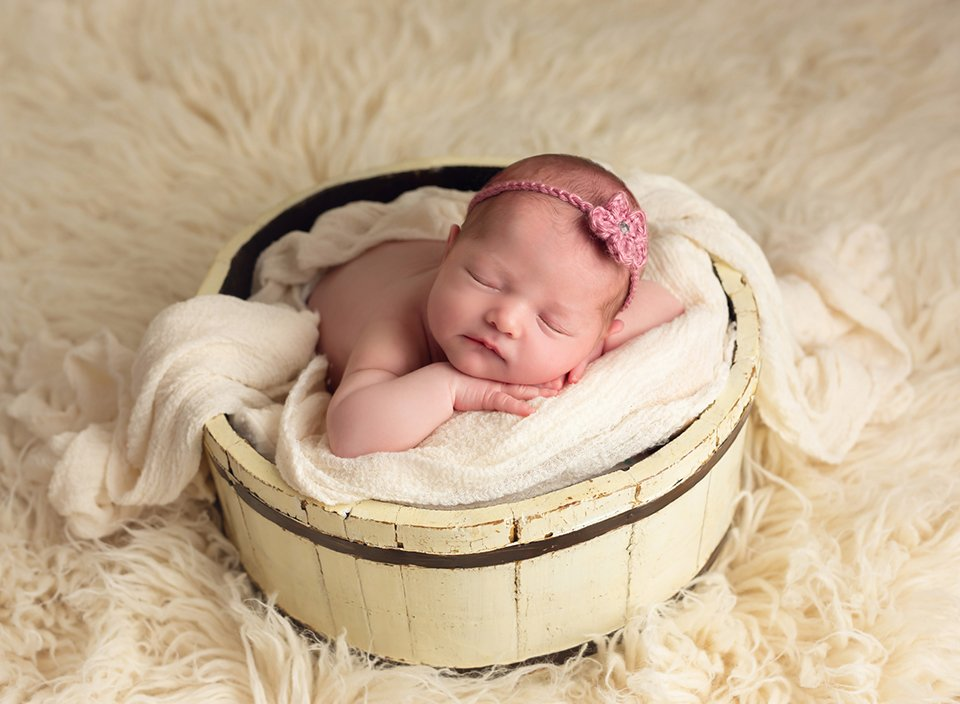 solon newborn baby photographer